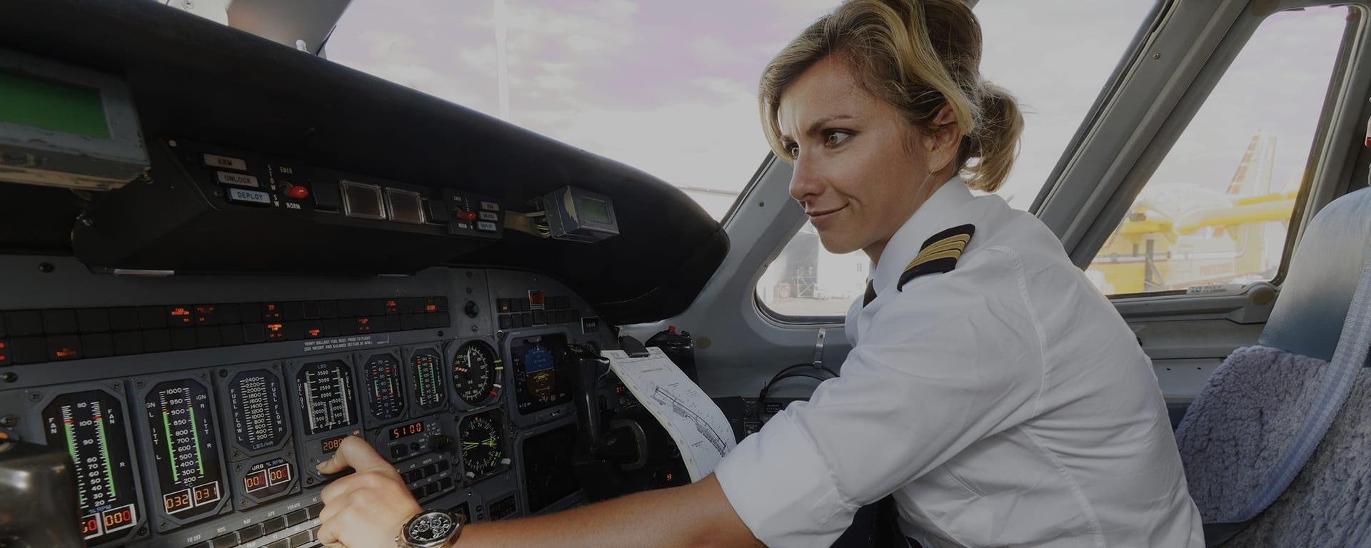 Recrutement aéronautique pour la compagnie aérienne privée Astonjet : pilote commandant de bord