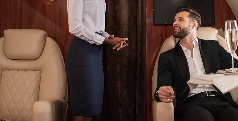 Recrutement aéronautique pour la compagnie aérienne privée Astonjet : hôtesse de l'air