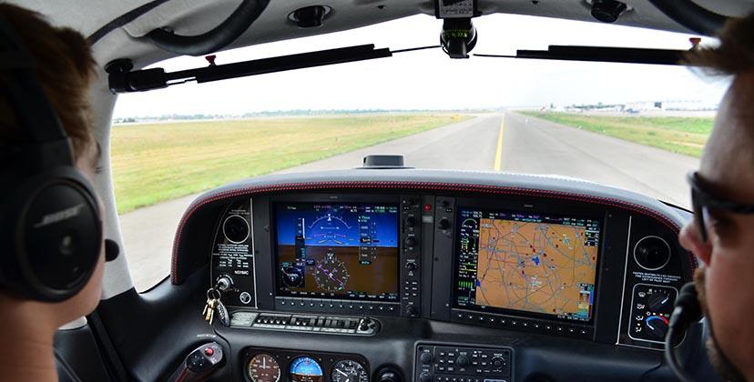 Recrutement Pilote Instructeur chez Astonfly