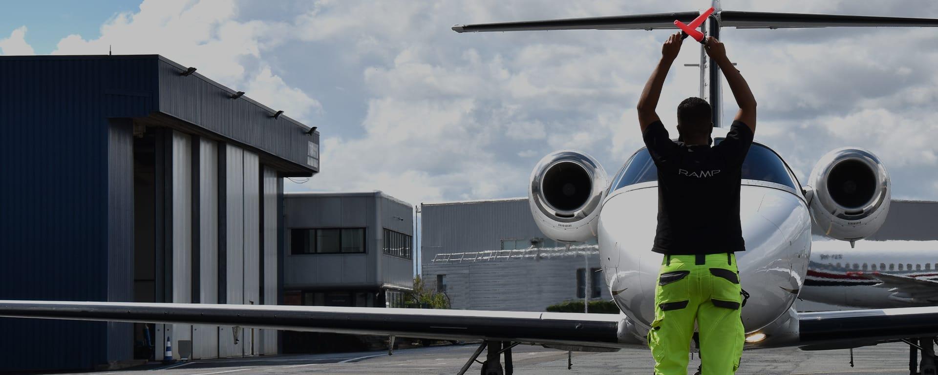 Terminal Astonsky : FBO d'assistance aux avions privés