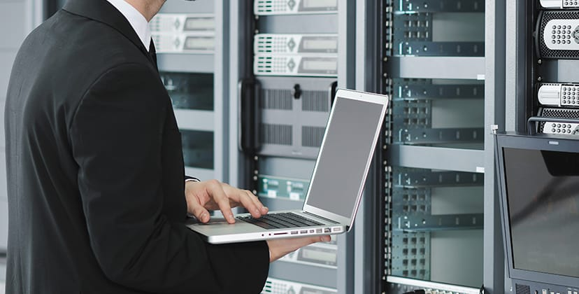 Offre d'emploi au sein du groupe aéronautique Clair Group : informatique