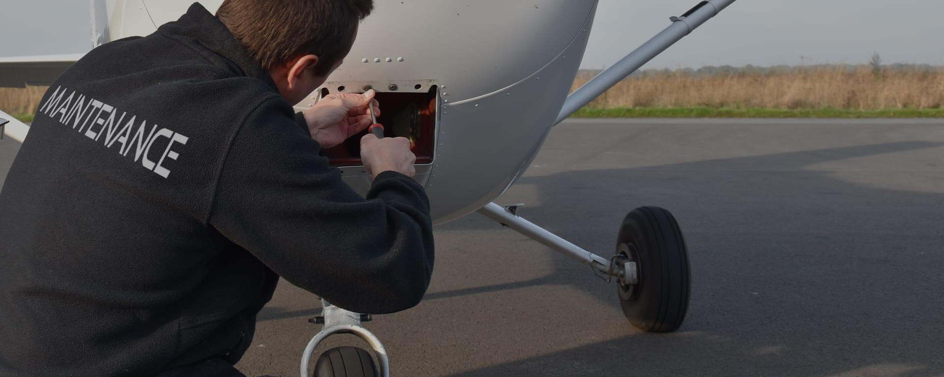 Mécanicien avion : offre d'emploi en maintenance aéronautique chez Astontec